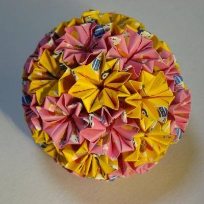 NO.016:カプセル動物柄 蜜柑×桃 の7.5センチ角を折り返し