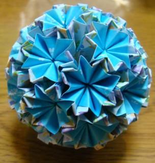 NO.011:小花柄 空×空 の5センチ角