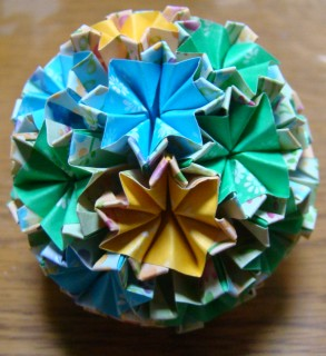 NO.012:小花柄 空×空6・黄×黄7・緑×緑16 の5センチ角