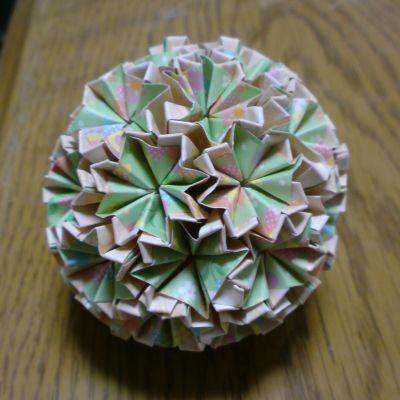 NO.014:水玉花柄 薄緑×橙 の5センチ角